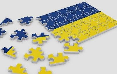 1-ukraine-puzzle-flag_37349847